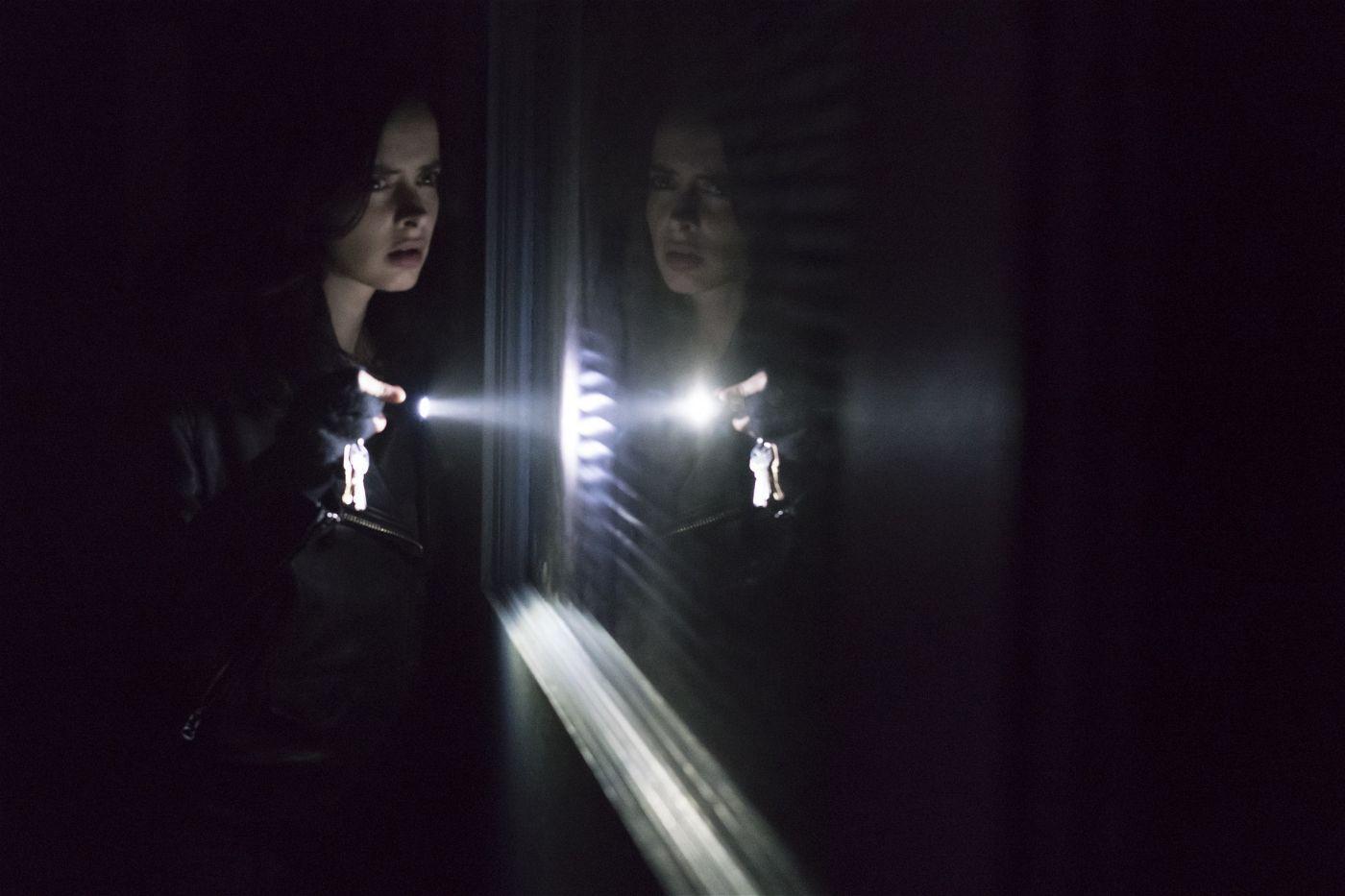 Die trinkende Privatdetektivin Jessica Jones ist in der gleichnamigen Serie seit März 2018 in der zweiten Staffel bei Netflix zu sehen.