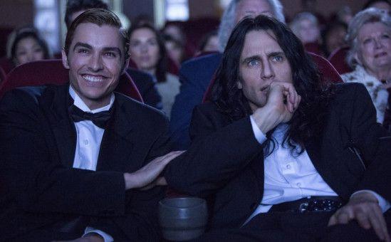 """Greg (Dave Franco, links) hat Spaß bei der Premiere von """"The Room"""". Regisseur Tommy (James Franco) hingegen kommt mit der Reaktion des Publikums so gar nicht zurecht."""
