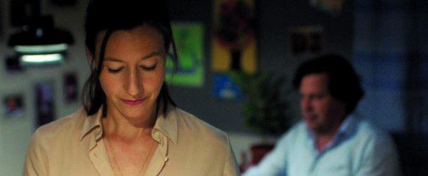 Ihrem Mann Philip (Hans-Jochen Wagner) erzählt Nora (Johanna Wokalek) nichts von ihren Plänen.