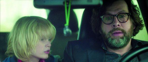 Philip (Hans-Jochen Wagner) muss fortan mit der Ungewissheit über das Verbleiben seiner Frau leben.