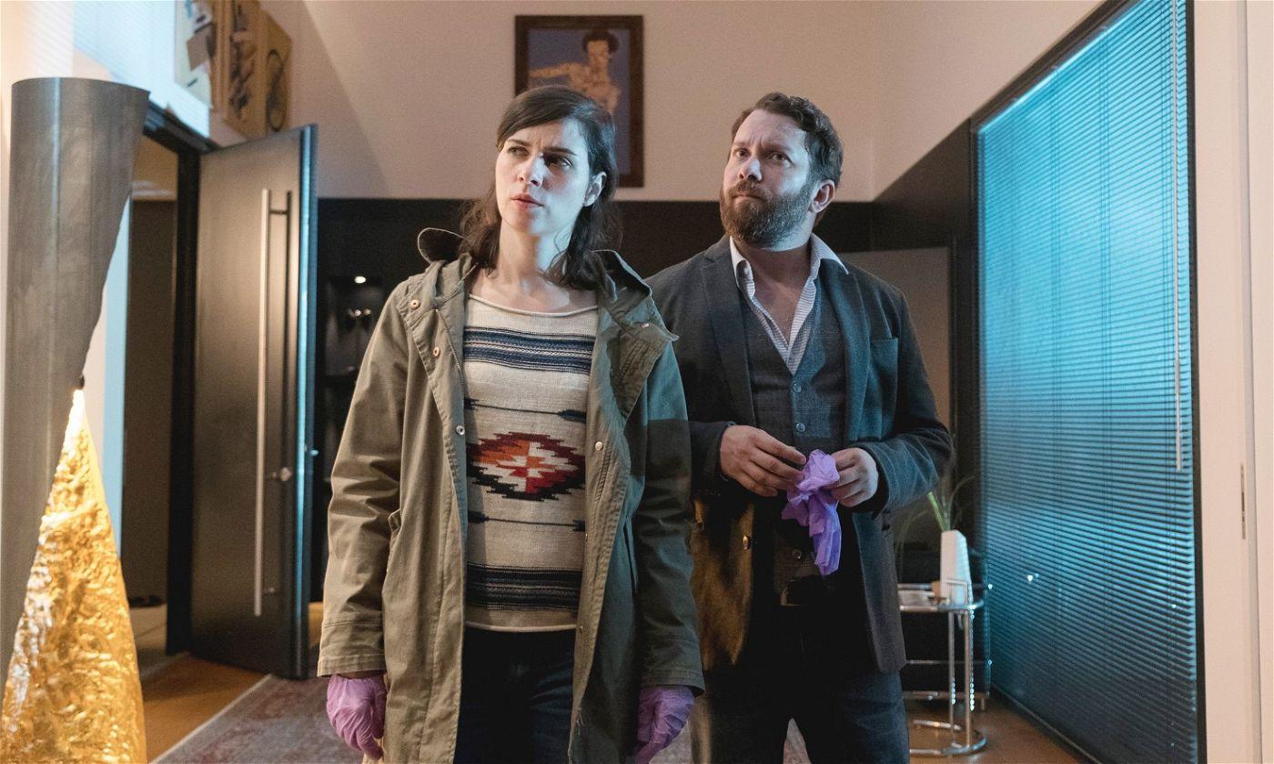 Nora Tschirner und Christian Ulmen sind als Kriminalhauptkommissarin Kira Dorn und Kriminalhauptkommissar Lessing erneut ein Duo zum Verlieben.