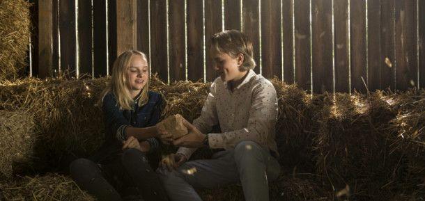 Wendy (Jule Hermann) ahnt nicht, dass der nette Daniel (Noah Kraus) einen hinterhältigen Plan im Schilde führt, um sich den Turniersieg zu sichern.
