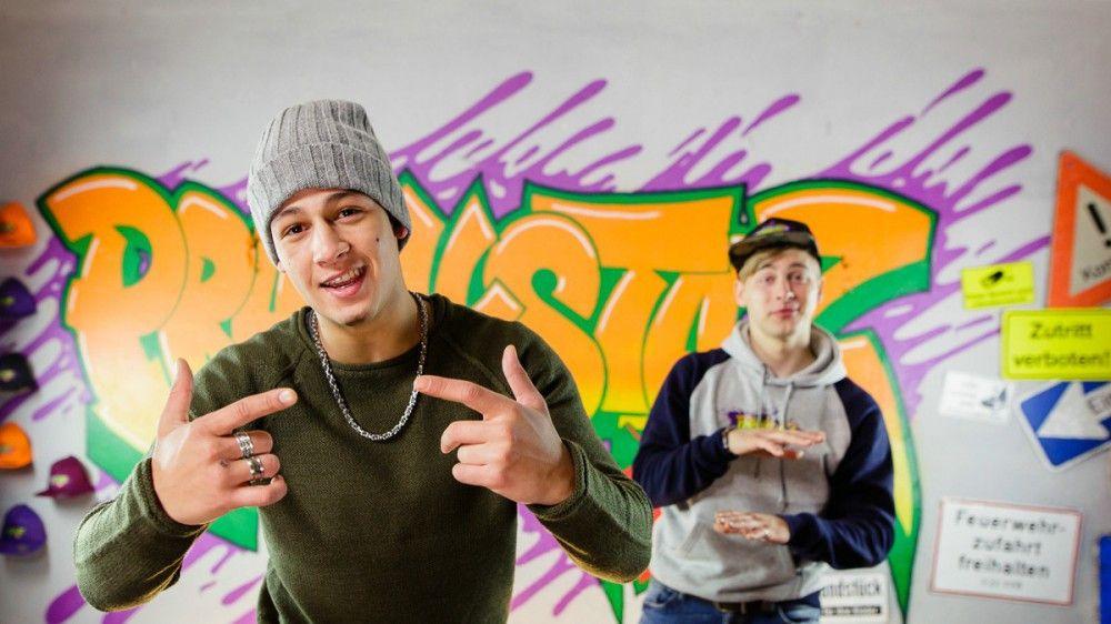 Charly (Emilio Sakraya, links) und Finn (Timmi Trinks) sind die Stars eins YouTube-Formats.