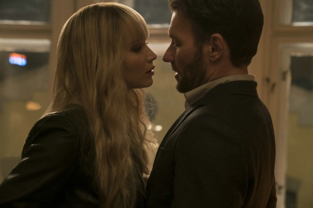 Bei ihrem ersten Einsatz wird Dominika (Jennifer Lawrence) auf den CIA-Agenten Nash (Joel Edgerton) angesetzt.