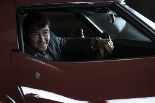 Brooks (Kyle Chandler) fährt natürlich einen Porsche Spyder - das Traumauto seines Bruders.