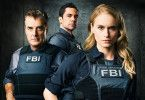 "Frank (Chris Noth), Bishop (Danny Pino) und Kick Lanigan (Leven Rambin) in der US-Serie ""Gone""."