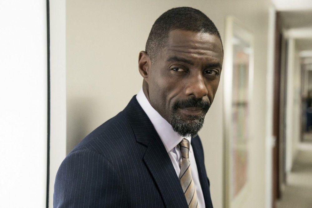 """Charlie Jaffey (Idris Elba) hat schon bald ein anderes Bild von der """"Pokerprinzessin""""."""