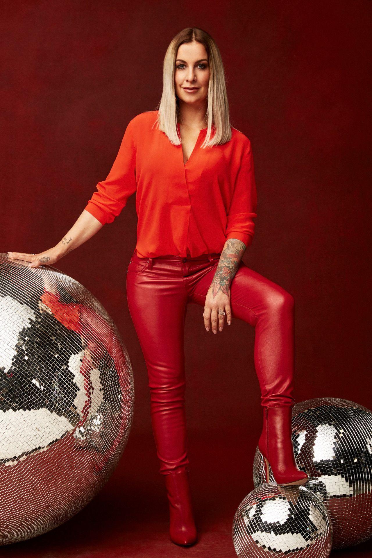 """Im Fernsehen war sie bislang in Formaten wie der """"TV Total Stock-Car Crash Challenge"""" oder """"Germanys Next Topmodel"""" zu sehen."""