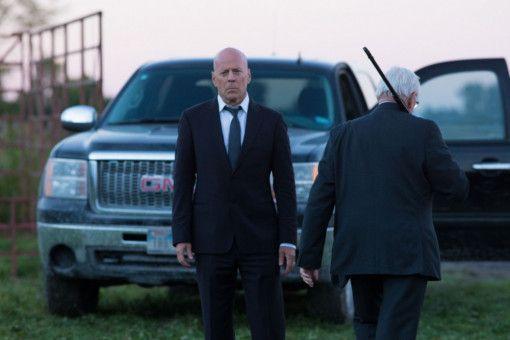 Dr. Paul Kersey (Bruce Willis) muss nach einem brutalen Raubüberfall von seiner Frau Abschied nehmen.