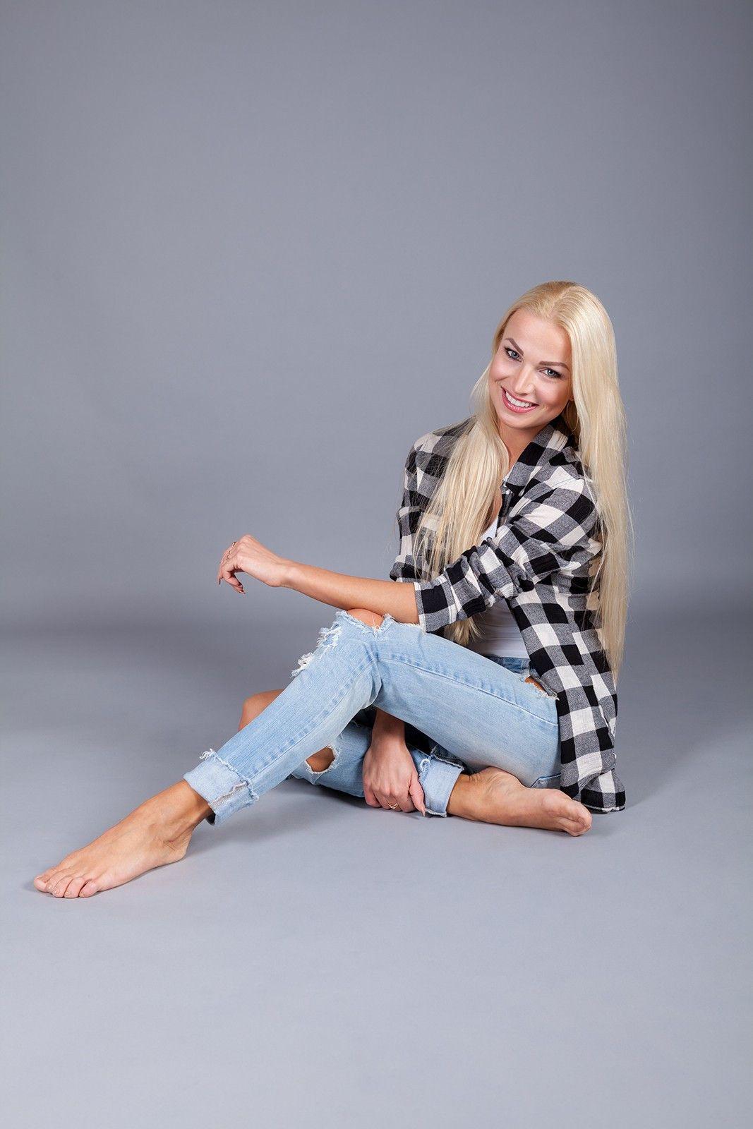 Katja Kalugina ist Deutsche Vizemeisterin im Showdance Professional Latin. 2012 tanzte sie an der Seite von Ex-DSDS-Kandidat Ardian Bujupi.