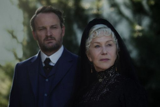 Psychologe Dr. Eric Price (Jason Clarke) soll herausfinden, in welchem geistigen Zustand sich Sarah Winchester (Helen Mirren) befindet.