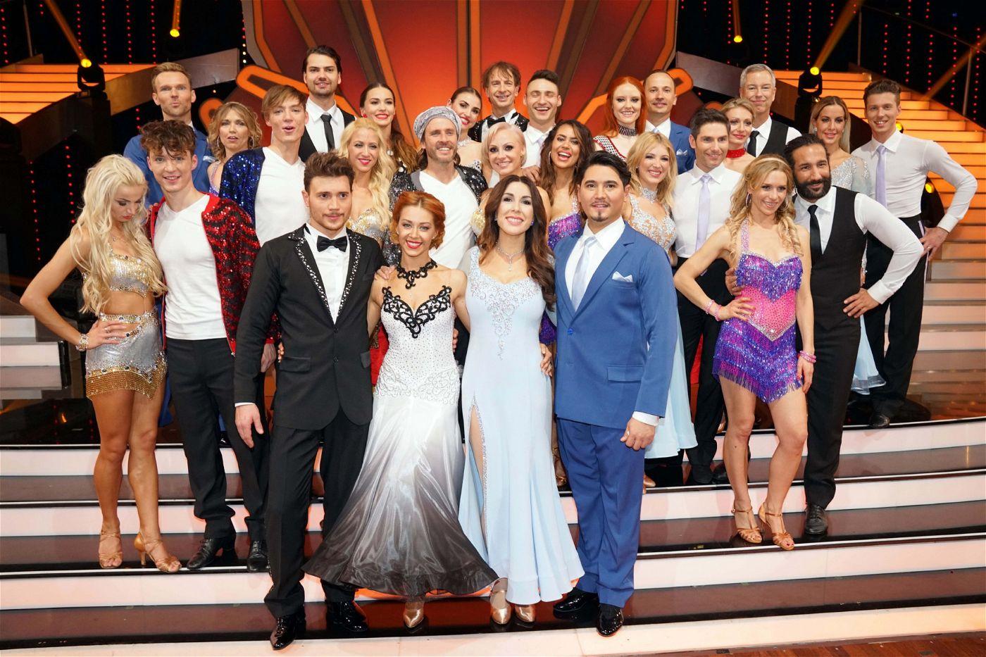 """14 Kandidaten-Paarungen tanzen in der elften """"Let's Dance""""-Staffel um den Titel """"Dancing Star 2018""""."""
