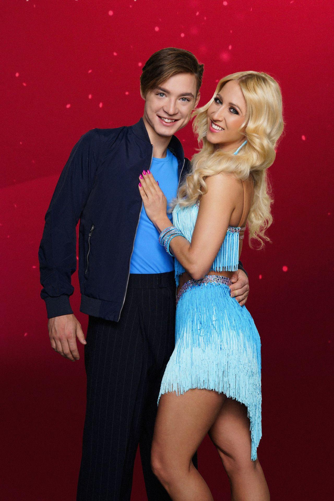 YouTube-Star Heiko Lochmann tanzt mit Kathrin Menzinger.