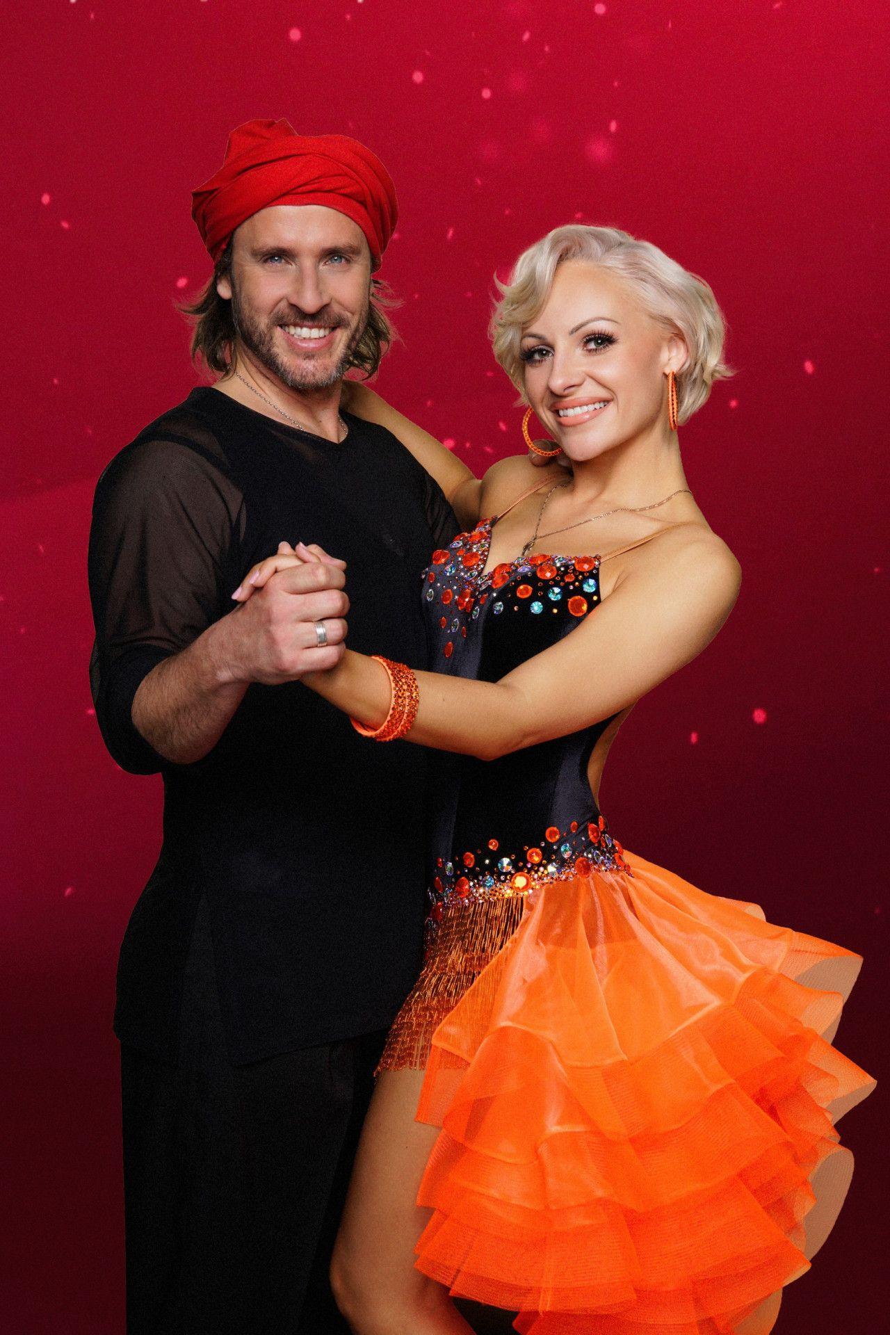 TV-Koch Chakall tanzt mit Marta Arndt.