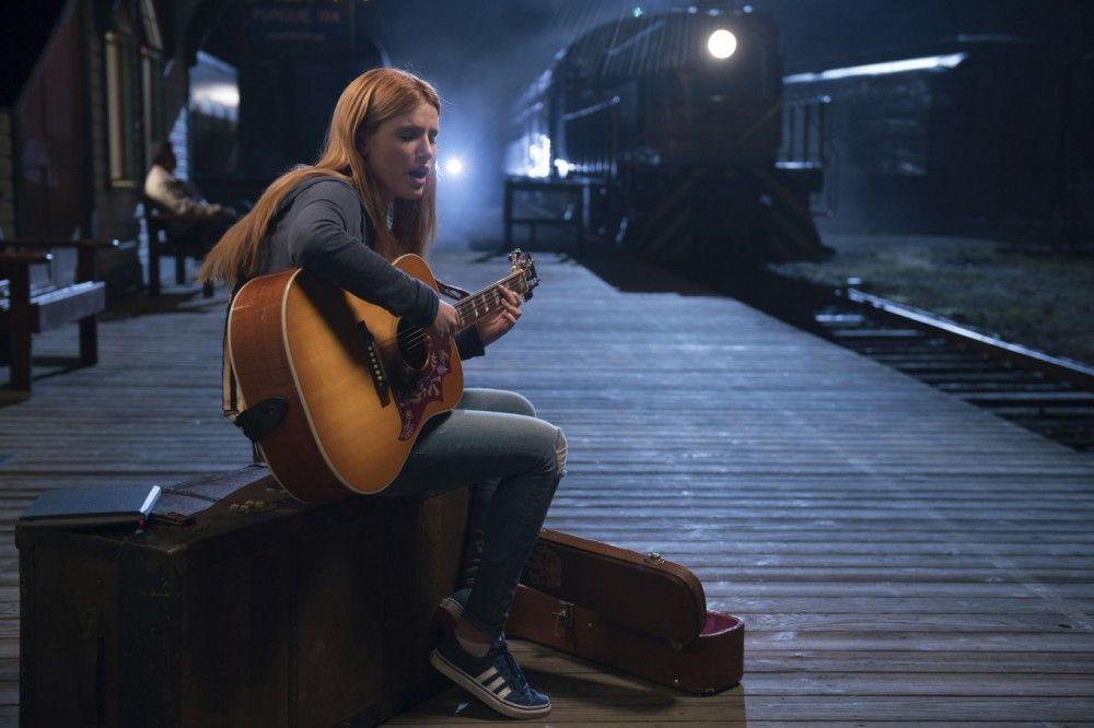In selbstgeschriebenen Songs lässt Katie (Bella Thorne) ihren Gefühlen freien Lauf.