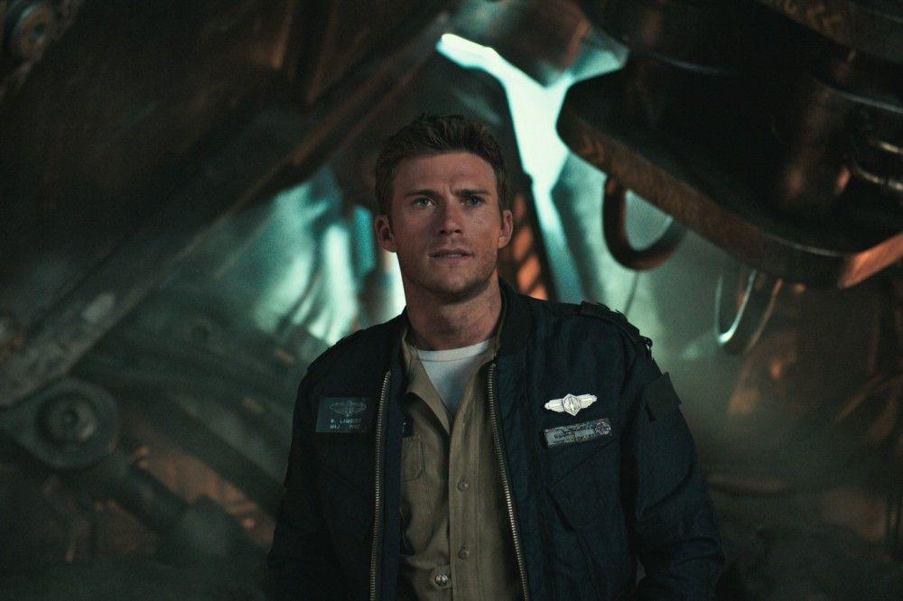 Lambert (Scott Eastwood), einst Jakes Rivale in der Ausbildung, gehört zu den Kämpfern gegen die neuen Monsterangriffe.