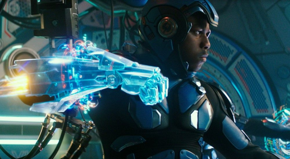 Nach abgebrochener Ausbildung und Lotterleben nimmt Jake (John Boyega) doch wieder am Steuerknüppel einer Jaeger-Supermaschine Platz.