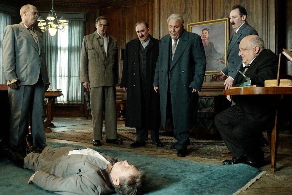 Stalin ist tot - und nun? Das Politbüro ist ratlos.