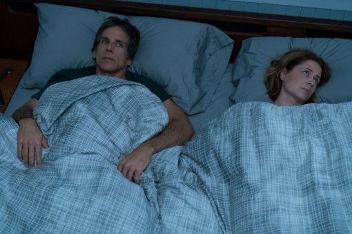 Brad (Ben Stiller) hat eine schlaflose Nacht und seine Frau (Jenna Fischer) rollt nicht umsonst mit den Augen.