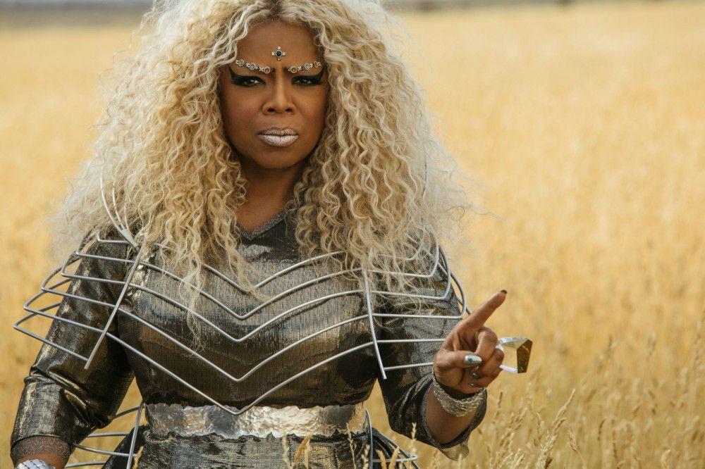 Mrs. Welche (Oprah Winfrey) sucht in verschiedenen Welten nach Kriegern.