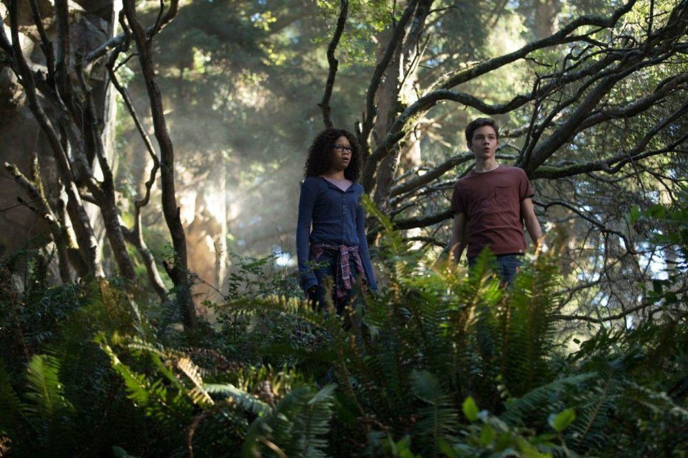 Die Welten, in die Meg (Storm Reid) und Calvin (Levi Miller) eintauchen, sind mit unter recht gefährlich.