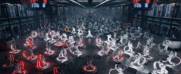 Die futuristische Zentrale von IOI macht im Film ordentlich was her.