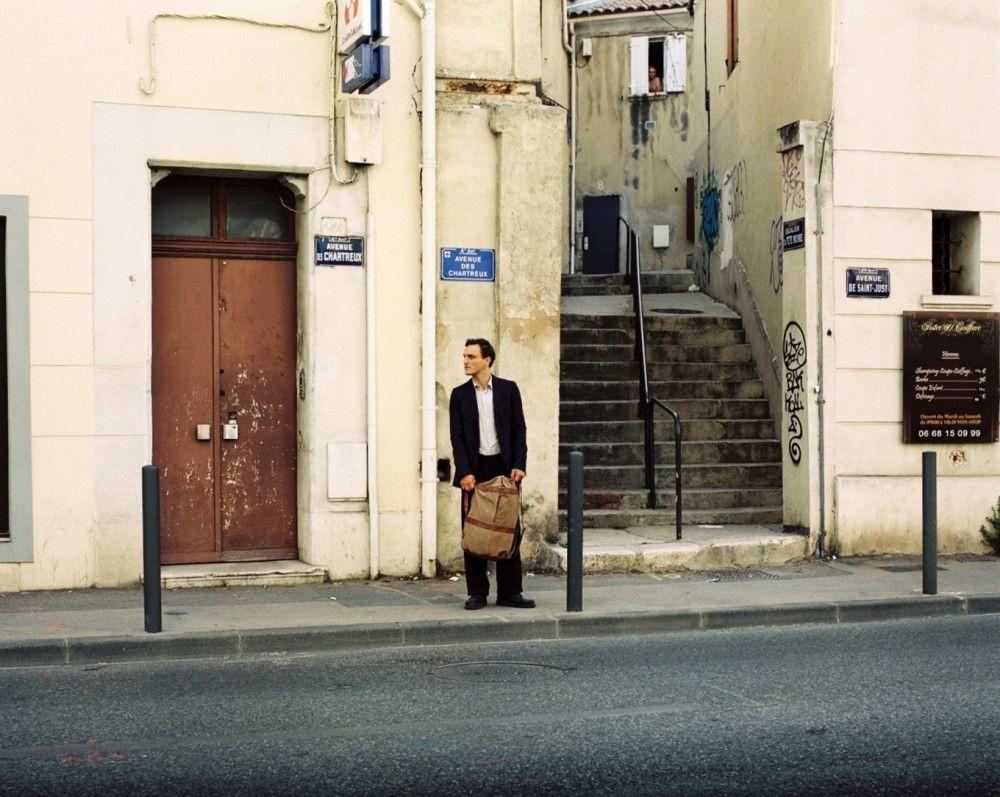 """""""Das Furchtbarste ist, dass sie dich nicht sehen in dieser Welt"""", Georg (Franz Rogowski) ist als Flüchtling in Marseille nahezu unsichtbar."""