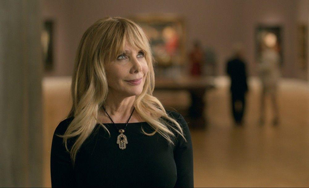 Während seines Aufenthalts in San Francisco lernt Rory die Museumskuratorin Claudia (Rosanna Arquette) kennen.