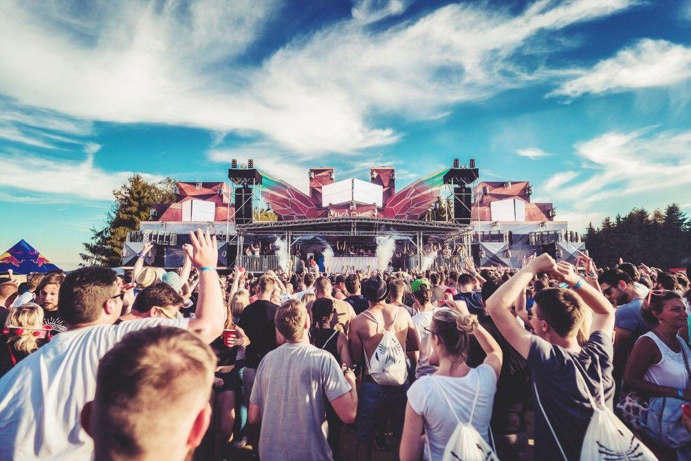 Drei Tage entspannt feiern: Beim Ikarus-Festival gibt es feinste elektronische Klänge.