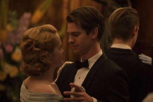 Robin (Andrew Garfield) und Diana (Claire Foy) finden ineinander die Liebe ihres Lebens.