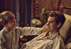 Als Robin (Andrew Garfield) an Polio erkrankt und in der Folge vom Hals abwärts gelähmt ist, geben ihm die Ärzte nur noch wenige Monate.
