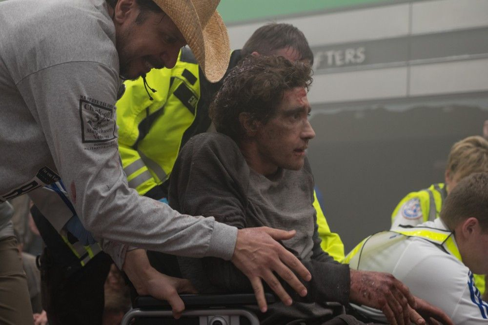 Nach dem verheerenden Anschlag wird Jeff (Jake Gyllenhaal) verletzt ins Krankenhaus gebracht.