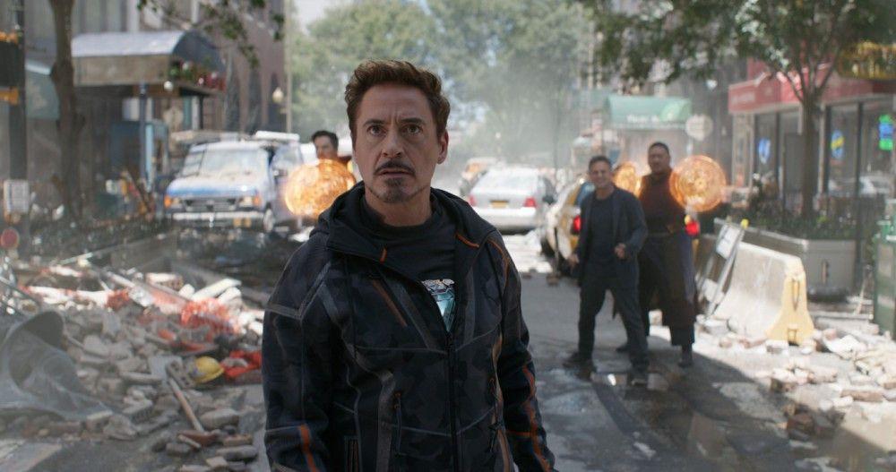 Da macht Tony Stark (Robert Downey jr.) große Augen: Er muss eine Upgrade-Version seines Iron-Man-Anzugs anziehen, um vom Weltenzerstörer Thanos nicht zerquetscht zu werden.