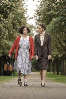 San Francisco, Anfang der 1980er-Jahre: Die schizophrene Eleanor Riese (Helena Bonham Carter, links) will sich mithilfe ihrer Anwältin Colette Hughes (Hilary Swank) das Recht auf Mitsprache bei ihrer Behandlung erstreiten.