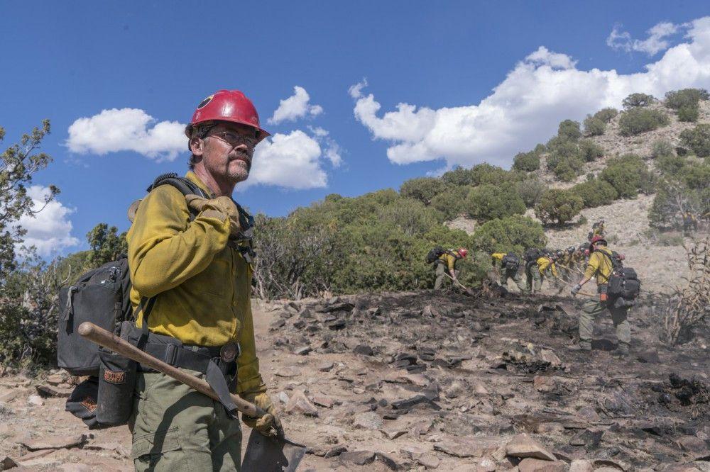 Eric Marsh (Josh Brolin) bildet sein 19-köpfiges Team zu einer Feuerwehr-Elite-Einheit aus.