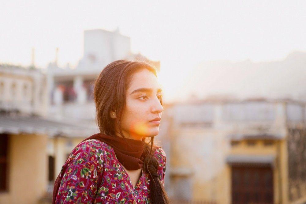 In Pakistan soll Nisha (Maria Mozhdah) lernen, sich unterzuordnen.