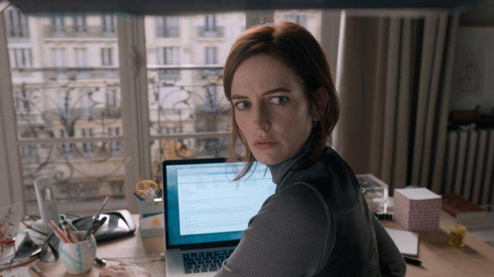 Elle (Eva Green) drängt ihre Freundin Delphine, ein neues Buch zu schreiben.