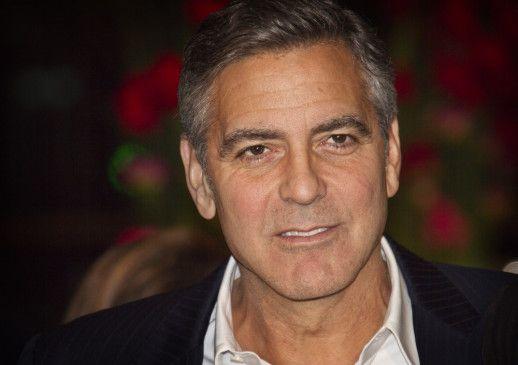 Der US-amerikanische Schauspieler, Drehbuchautor, Filmproduzent und Regisseur George Timothy Clooney wurde am 6. Mai 1961 in Lexington, Kentucky geboren.