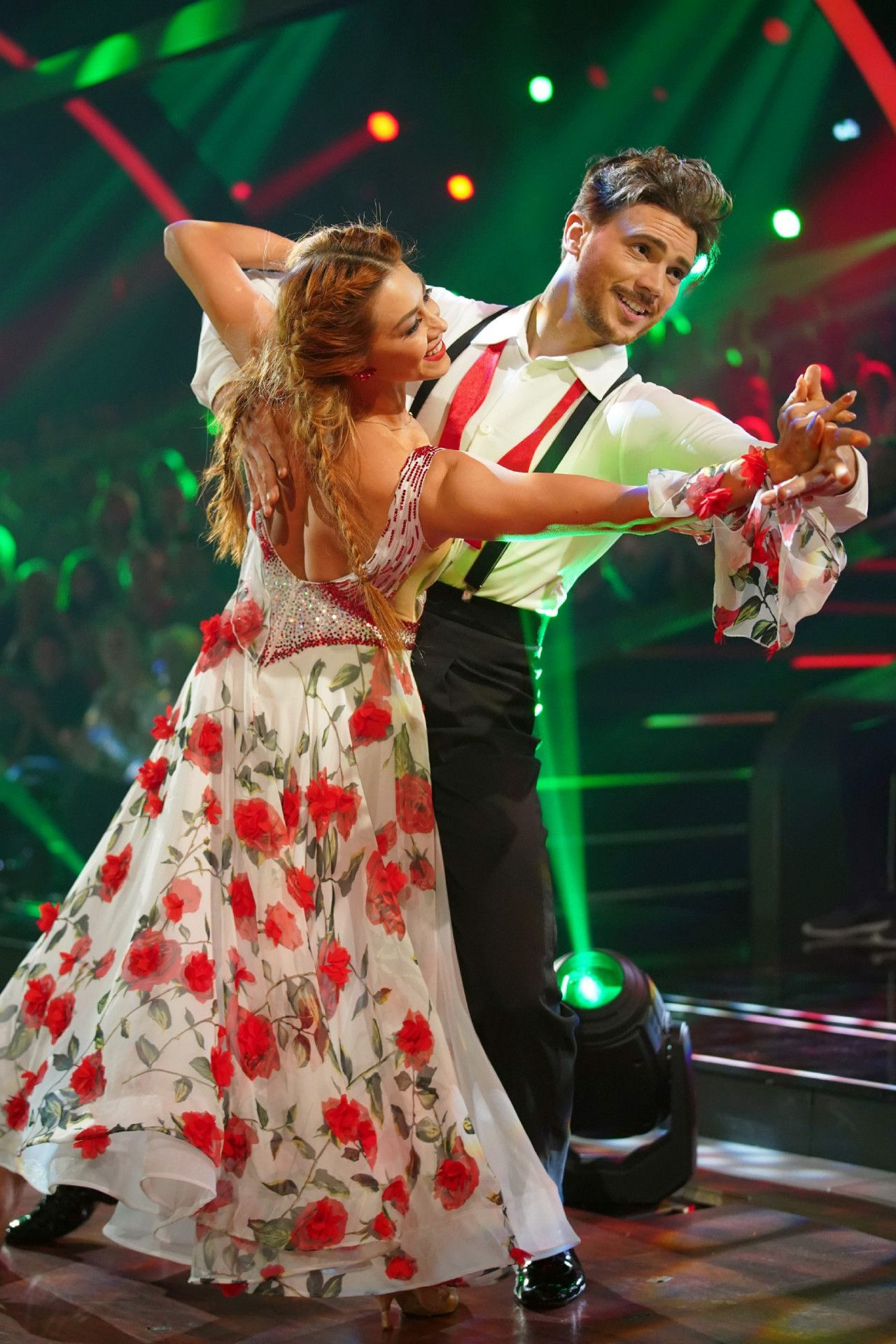"""Rückblickend sei es entsprechend """"total verrückt"""", dass er in einem zweiten Anlauf doch noch seinen Quickstep mit Oana Nechiti getanzt habe. <p>Alle Infos zu """"Let's Dance"""" im Special bei <a href=""""http://www.rtl.de/cms/sendungen/lets-dance.html"""" target=""""_blank"""" rel=""""nofollow"""">RTL.de</a>.</p>"""