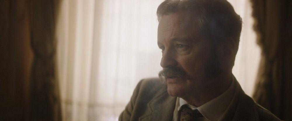 Wildes treuer Freund Reggie (Colin Firth) weilt auch in den letzten Lebensstunden bei ihm.