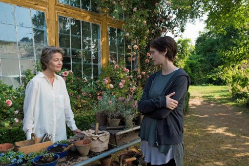 Die bemitleidenswerte Charlotte Rampling (links) muss als Sterbebegleiterin allerlei Weisheiten von sich geben, um Emilie (Eva Green) den Abschied zu erleichtern.