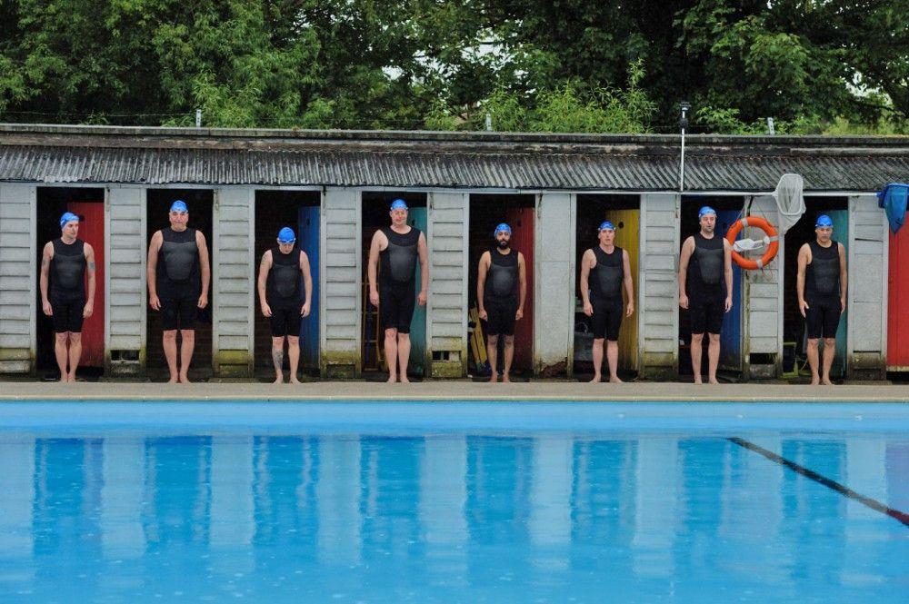 """Motiv aus """"Swimming with Men"""""""