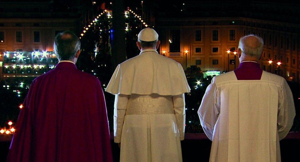 Ein Revolutionär auf dem Heiligen Stuhl? Wenders, der aus einem katholischen Elternhaus stammt, selbst einmal Priester werden wollte, später jedoch aus der Katholischen Kirche austrat, nähert sich dem Papst sehr wohlwollend.