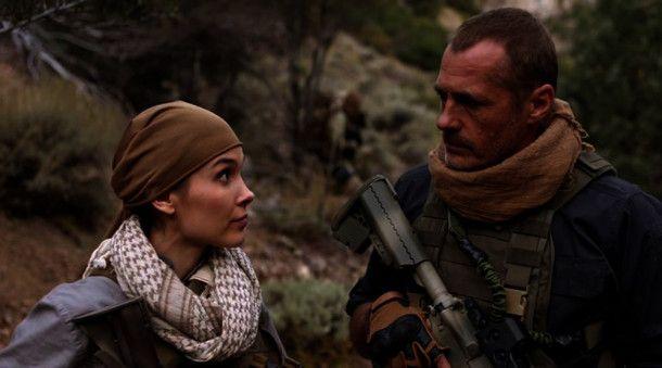 Lisa Westbrook (Kristina Anapau) und Lewis Locke (James C. Burns).