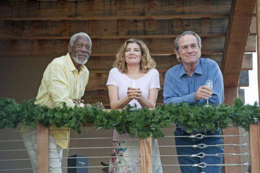 Statt ihr Leben in Palm Springs zu genießen, müssen Duke (Morgan Freeman, links), Suzie (Rene Russo) und Leo (Tommy Lee Jones) sich unter anderem vor einem Auftragskiller verstecken.