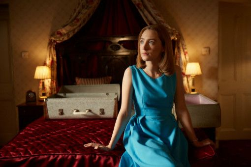 Florence (Saoirse Ronan) bereitet der Gedanke an Sex große Angst.