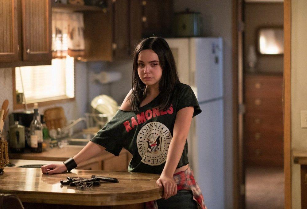 Dass die rebellische Kinsey (Bailee Madison) keinen Bock aufs Internat hat, wird bald zu einem ihrer kleinsten Probleme.