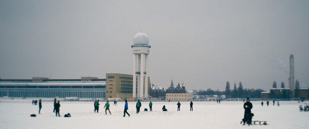 Von den Berlinern wird Tempelhof als Naherholungsgebiet genutzt. Auch das zeigt die Doku.