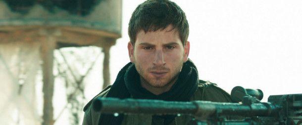 Jonathan (Yonatan Shiray) verrichtet seinen meist langweiligen Militärdienst an einem Grenzposten im Nirgendwo.