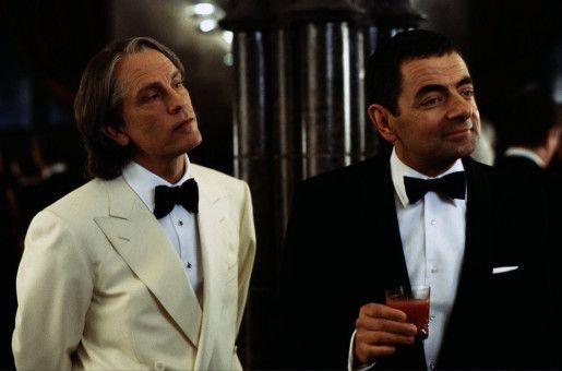 Der französische Schurke Pascal Sauvage (John Malkovich, li.) und Johnny English (Rowan Atkinson)
